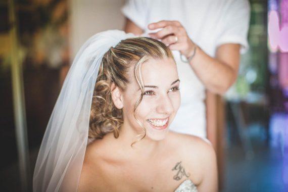 sposa velo sorriso tatuaggio