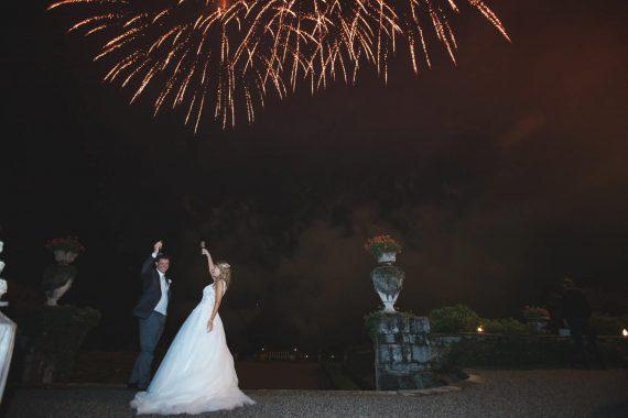 sposi brindisi ricevimento fuochi d'artificio