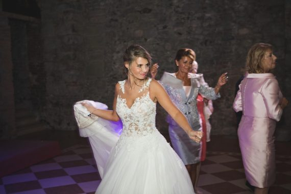 sposa ballo invitati ricevimento festa
