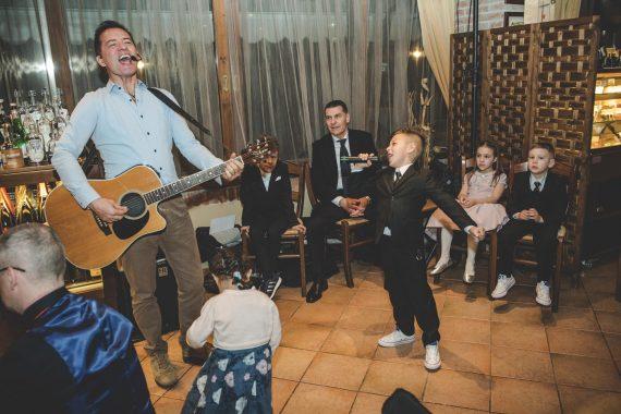 matrimonio ricevimento chitarra musica canto bambini