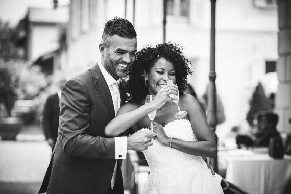 sposi brindisi bianco nero