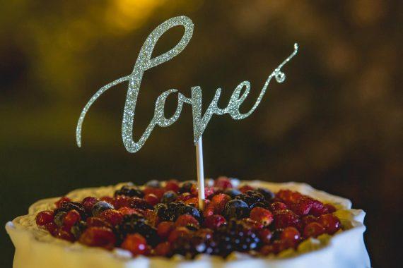 dolci torta nuziale matrimonio frutti di bosco love
