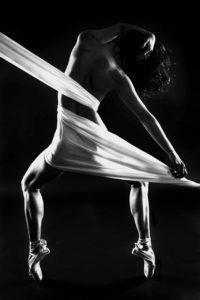 donna danza bianco nero
