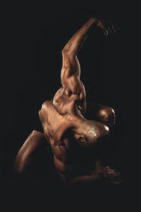 uomo danza nero