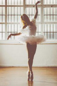 donna ballerina danza tutù bianco