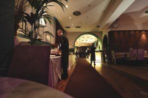 sala evento camerieri luci