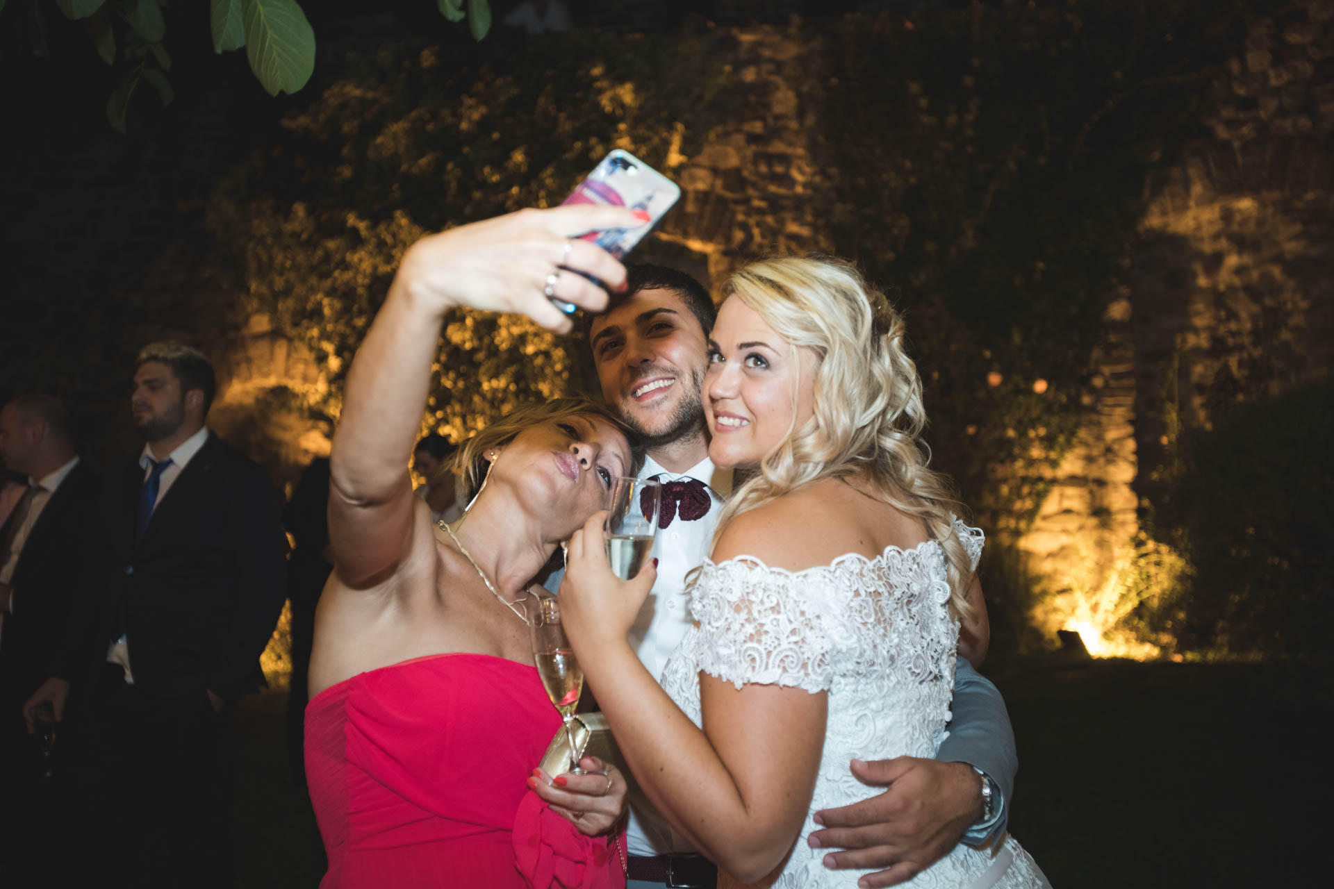 sposa invitati selfie