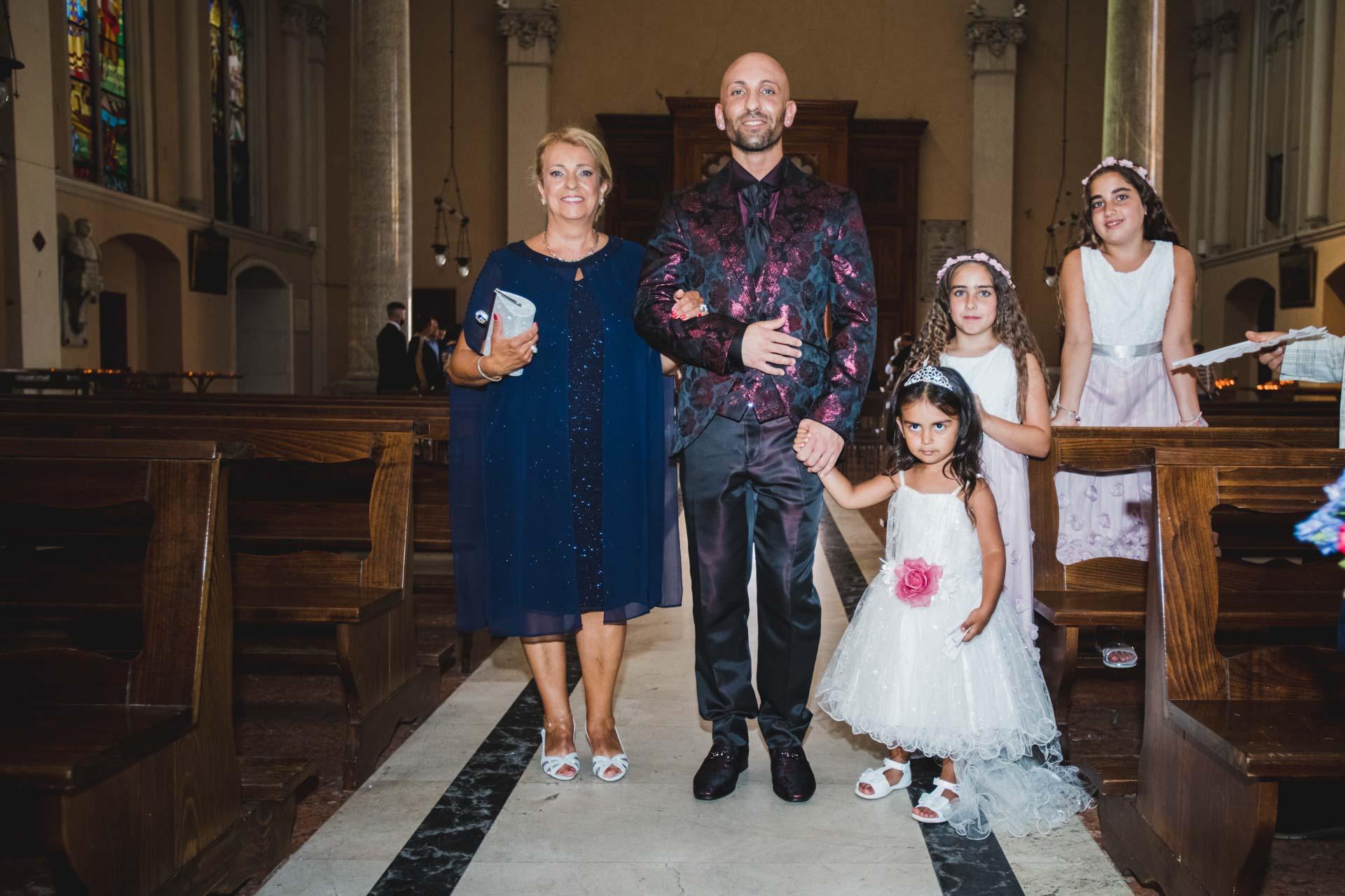 sposo famiglia chiesa interno