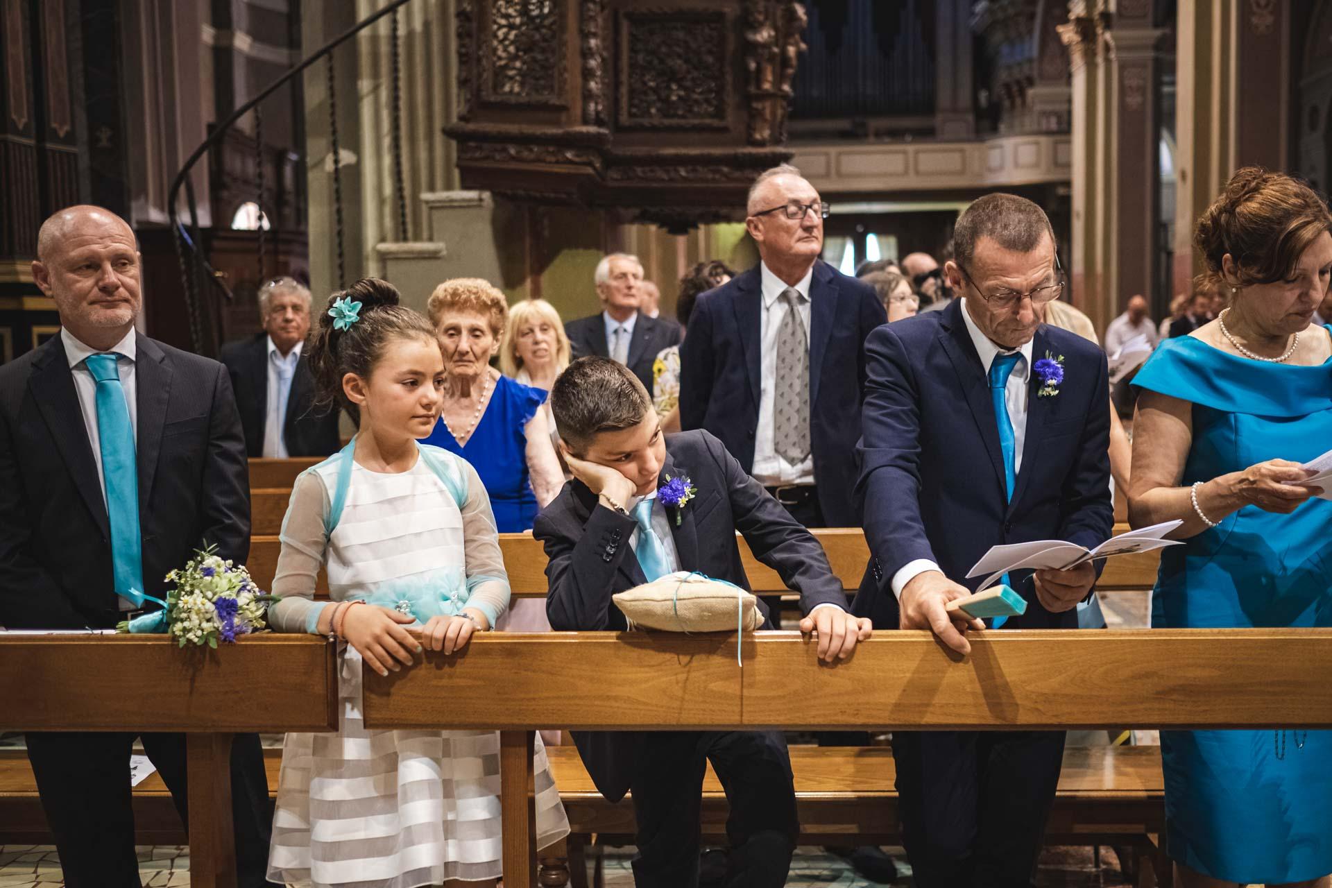 chiesa interno matrimonio invitati