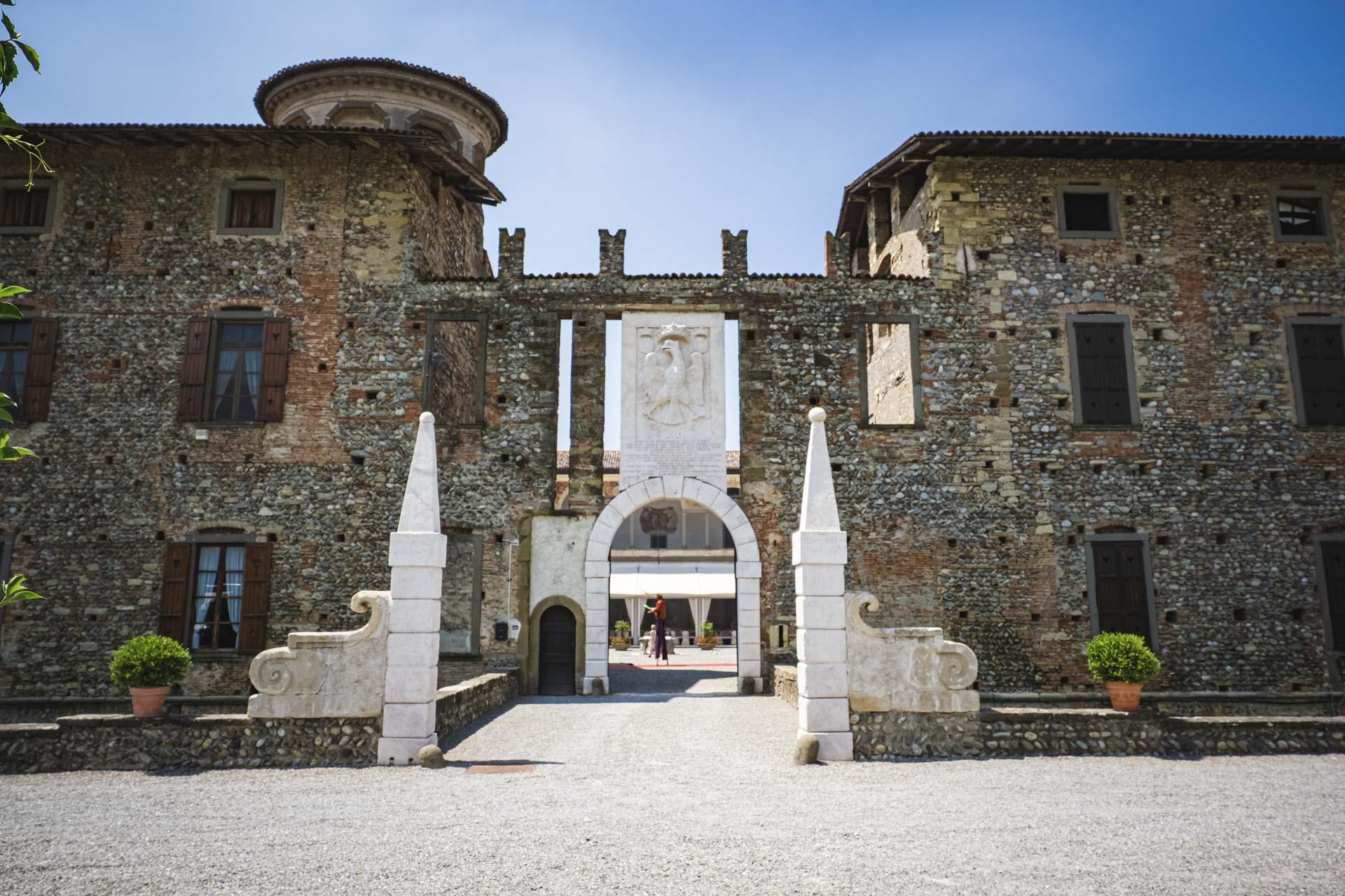 castello di cavernago ingresso