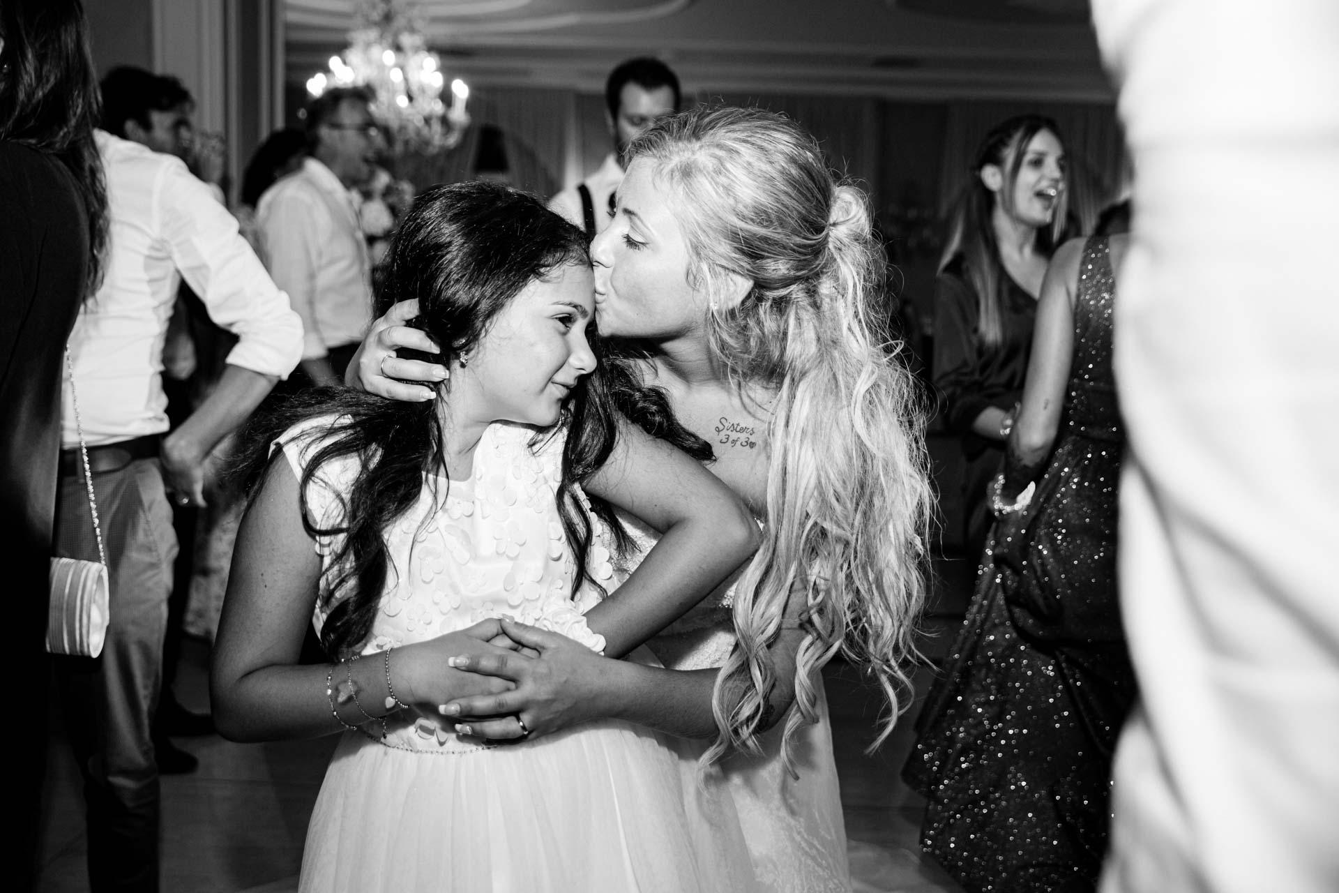 sposa ricevimento balli bambina bianco nero