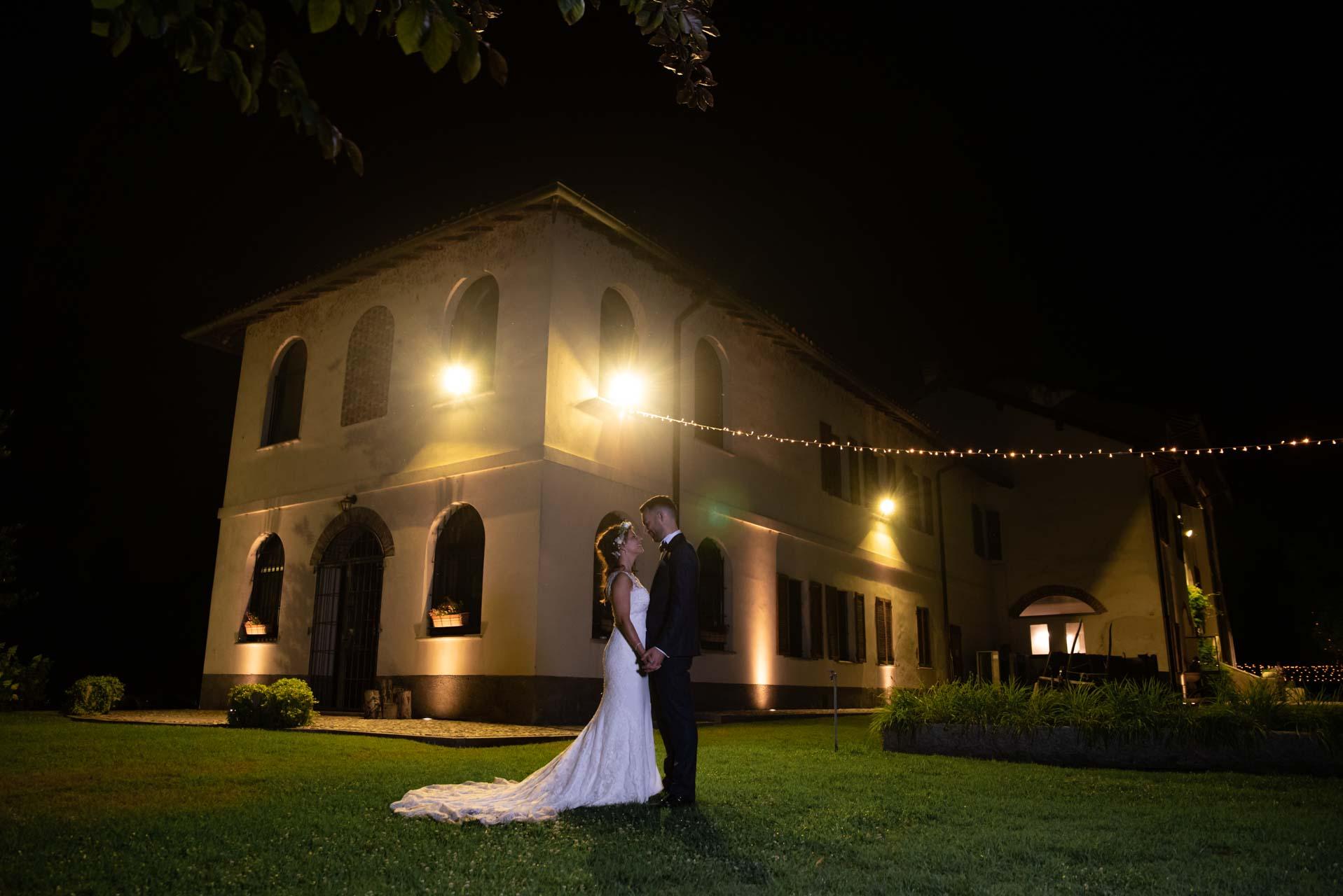 sposi esterno notte