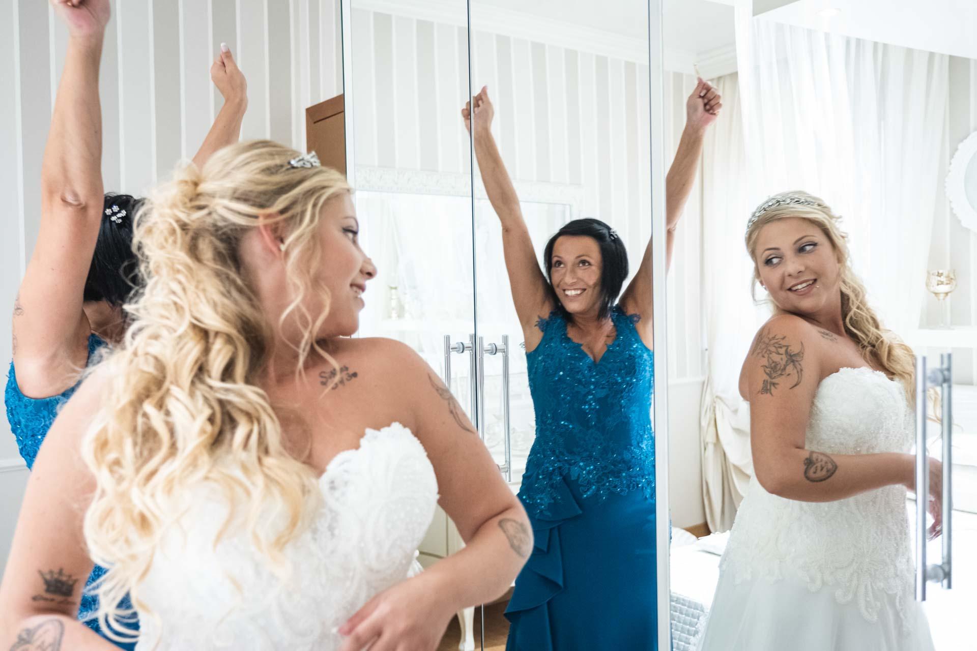 sposa abito specchio