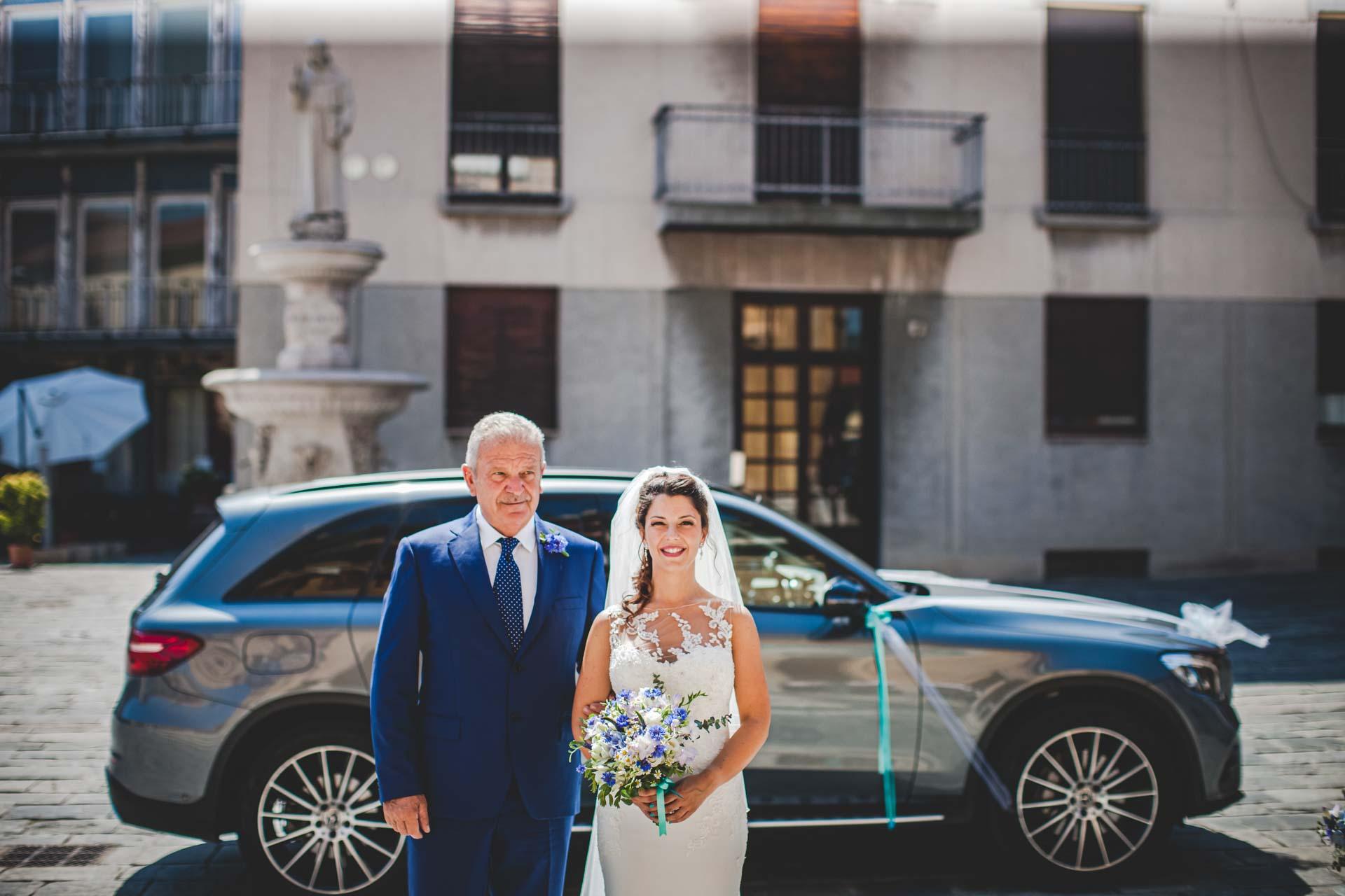 matrimonio sposa papà auto