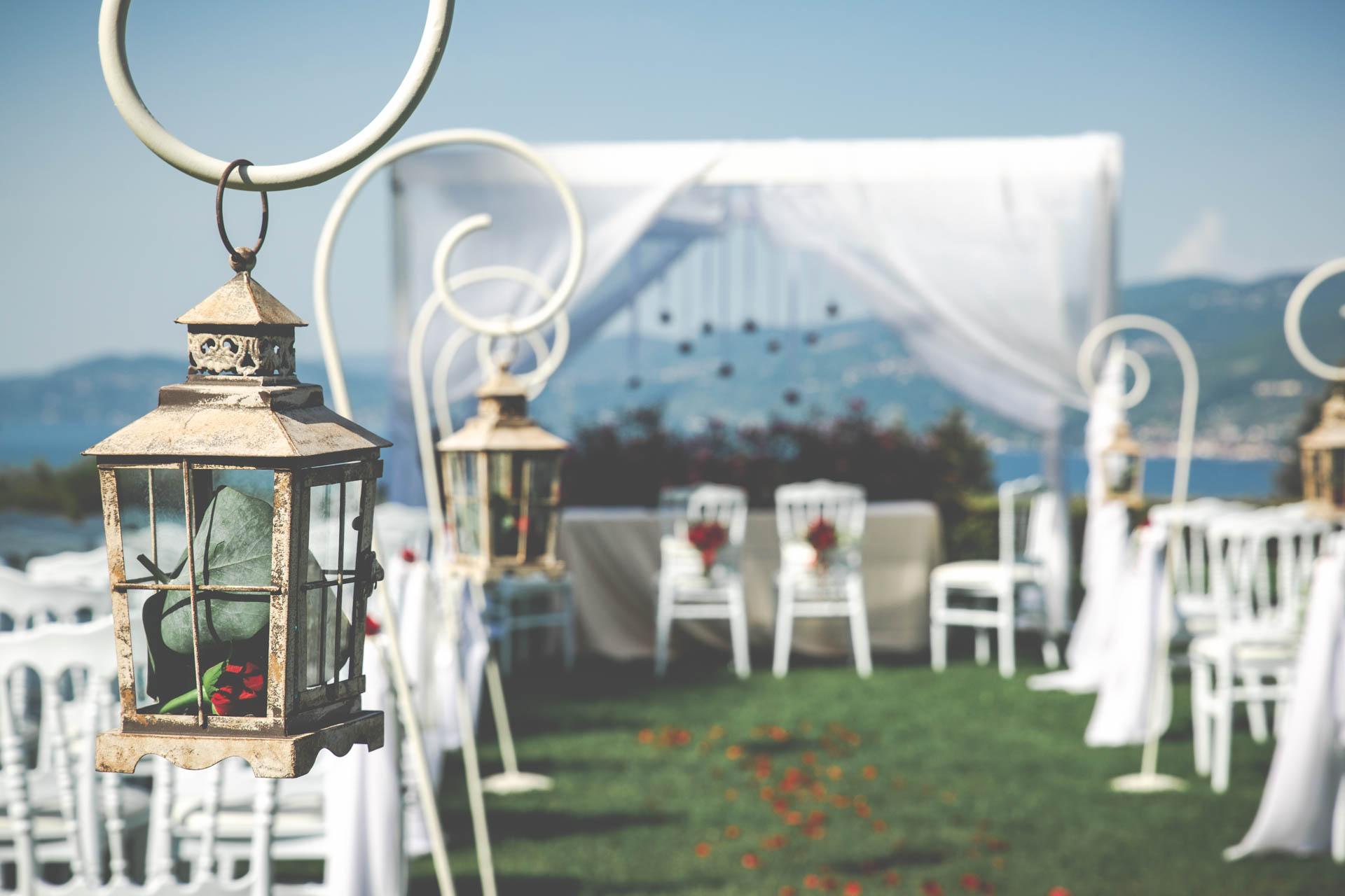 matrimonio cerimonia cortile particolare lanterna