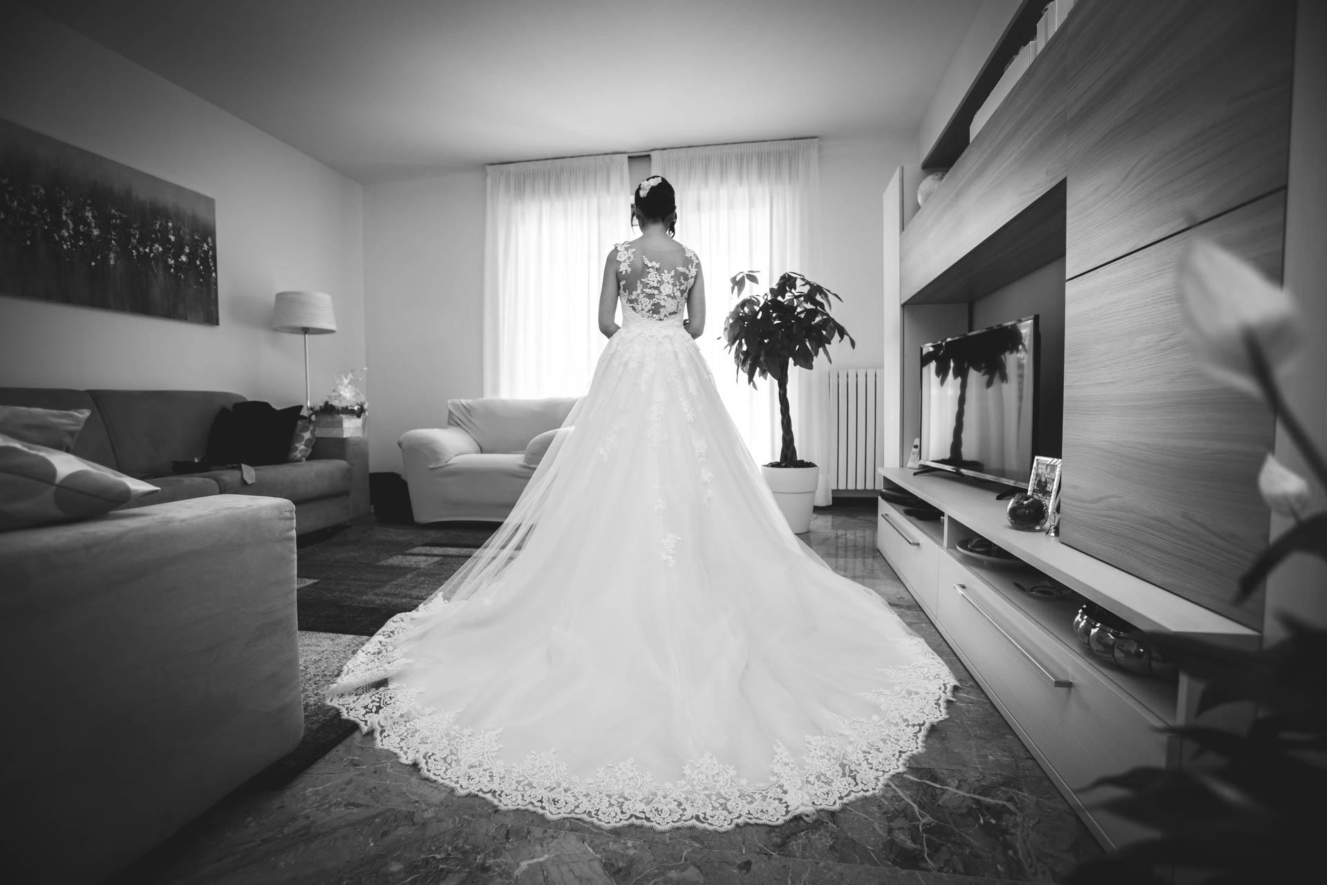 sposa abito casa bianco e nero