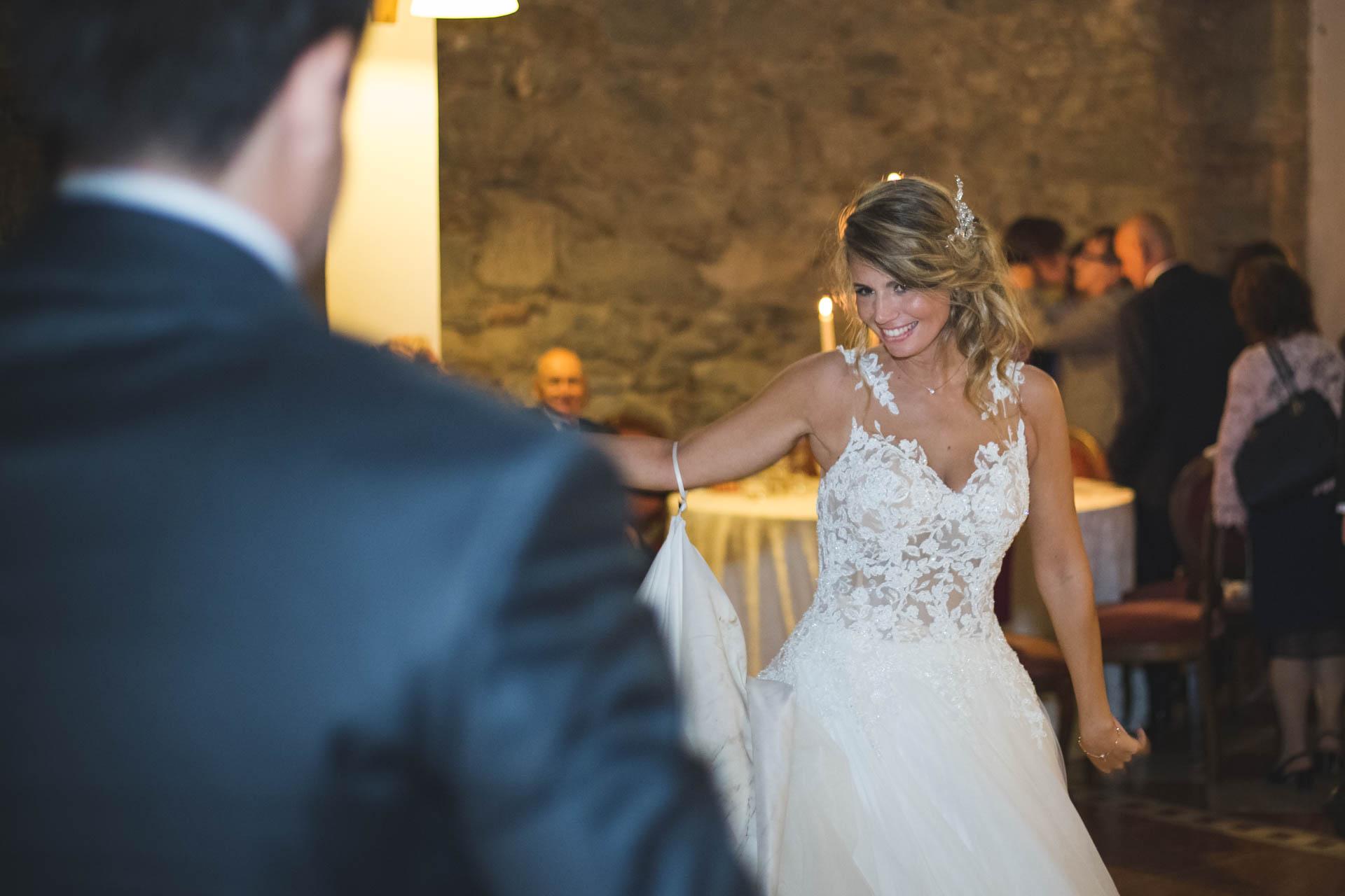 sposa sorriso ballo ricevimento