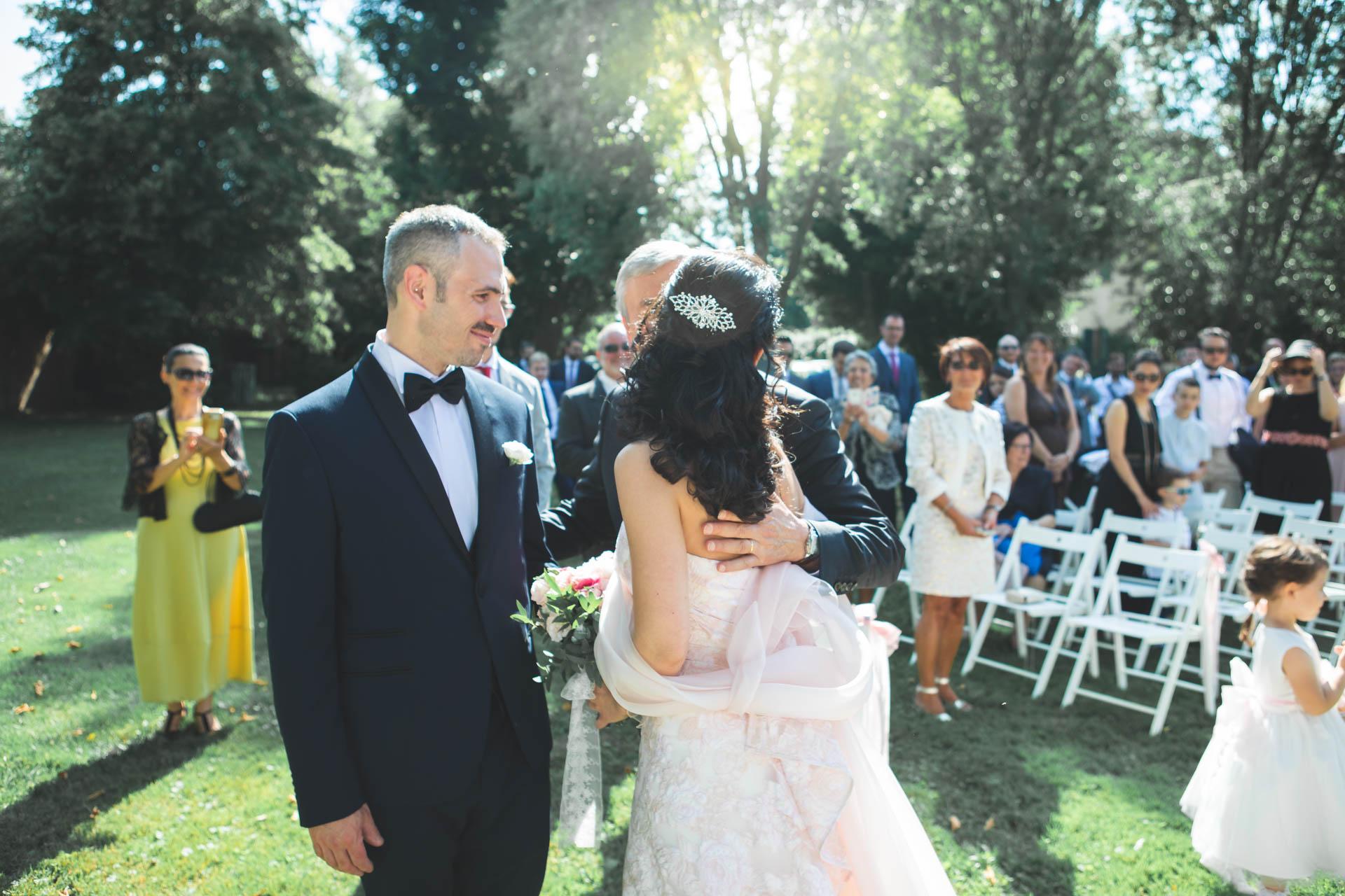 sposi cerimonia invitati